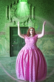 Ida Carolina dressed as Glinda