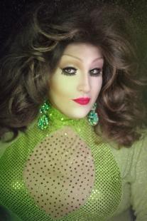 Ida Carolina in a green dress