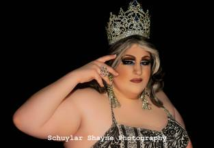 Ida Carolina in her Miss Holiday Crown